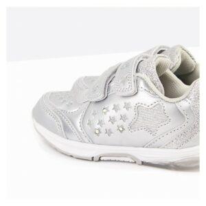Deportivo con luz de bebé estrellas plata