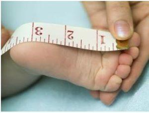 medir el pie de nuestro bebé