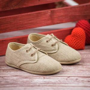 zapato de lino con cordones