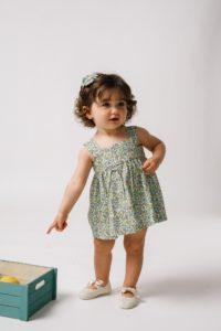 bebita con zapato angelito de lino y lazo de raso