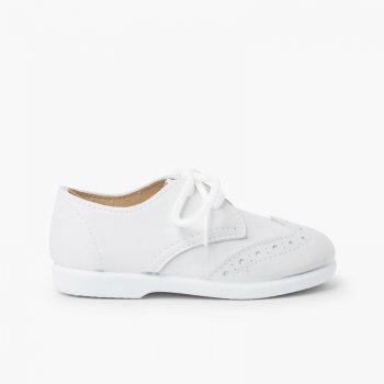 zapato inglesito tpi blucher con picados y cordones en piel suave blanco