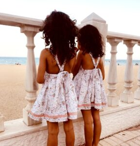 vestido hermanas mellizas colección primavera Sutier, moda infantil española