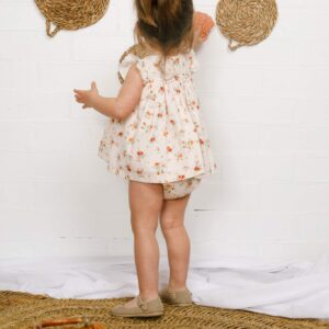 mercedita de lino escotada moda infantil española