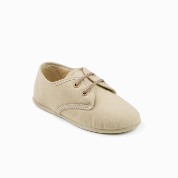 zapato de lona con cordones beige