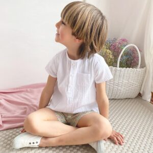 camisa blanca con short liberty moda infantil española primavera 2021