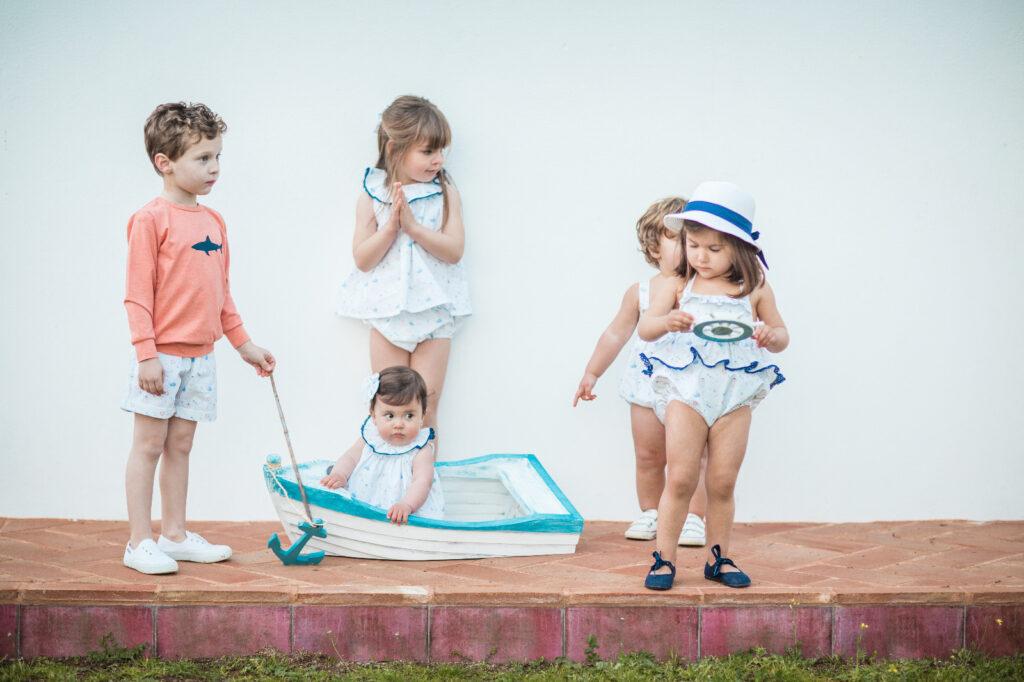 angelito de lino con lazo de raso moda infantil española