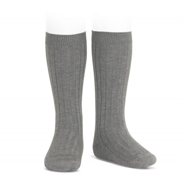 calcetín alto canalé gris condor